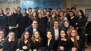 Alumnos y profesores del colegio Sagrada Familia, en Massamagrell, Valencia.